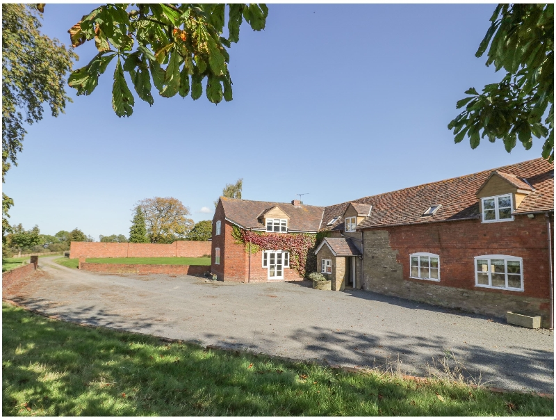 The Chestnuts a holiday cottage rental for 13 in Tenbury Wells,