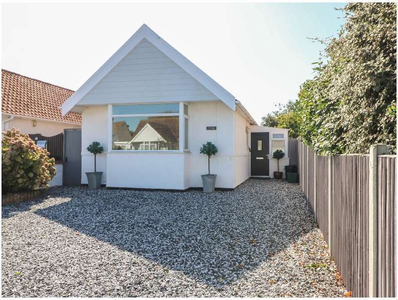 Little Haven a holiday cottage rental for 4 in Clacton-On-Sea,