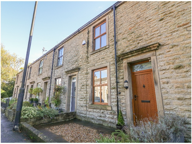 8 King Street a holiday cottage rental for 4 in Whalley,