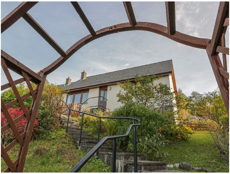 Taigh Na Talia a holiday cottage rental for 4 in Mallaig,