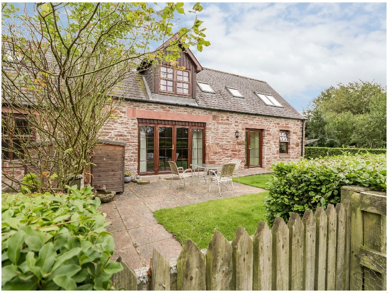 Nantusi Cottage a holiday cottage rental for 6 in Kirriemuir,