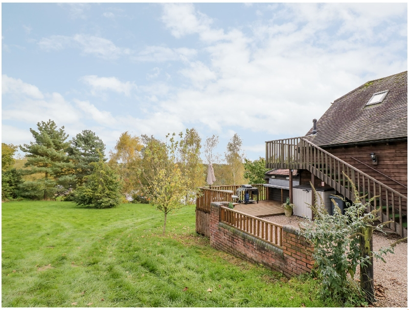 The Stilehouse Apartment a holiday cottage rental for 2 in Menith Wood,