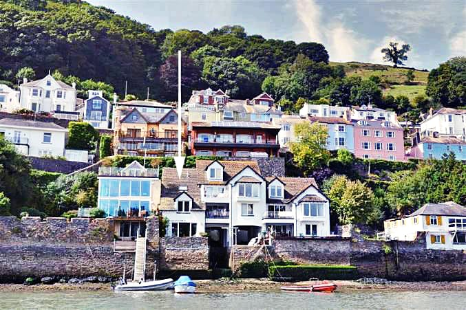 1 Bight Boatyard a holiday cottage rental for 8 in Dartmouth,