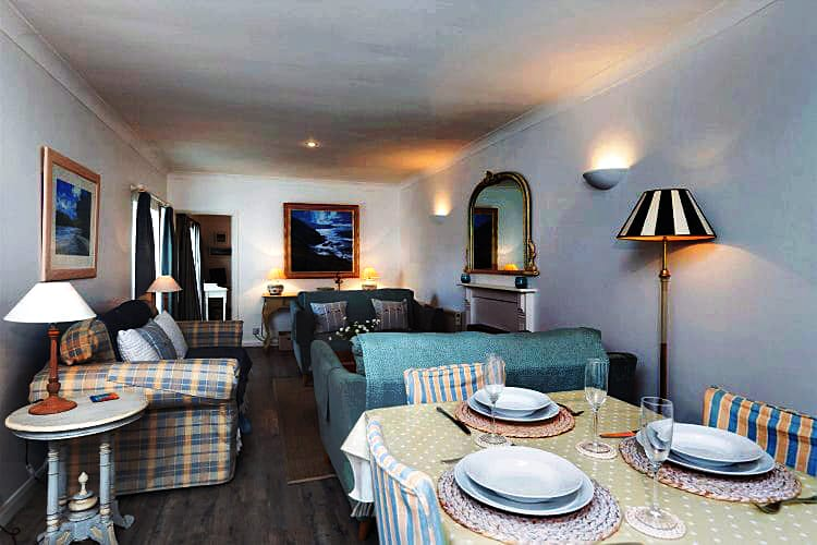 1 Kings Cottages a holiday cottage rental for 8 in Salcombe,
