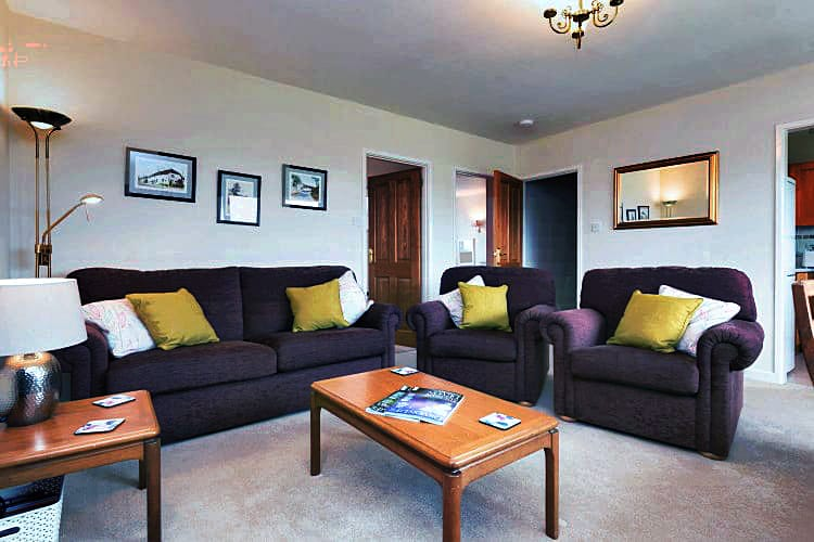 1 Bantham Holiday Cottages a holiday cottage rental for 6 in Bantham,