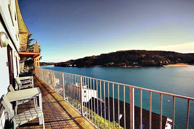 Quarterdeck (Sunny Cliff Cottage) a holiday cottage rental for 4 in Salcombe,