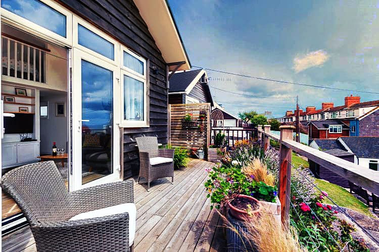 9 Bowling Green a holiday cottage rental for 4 in Lyme Regis,