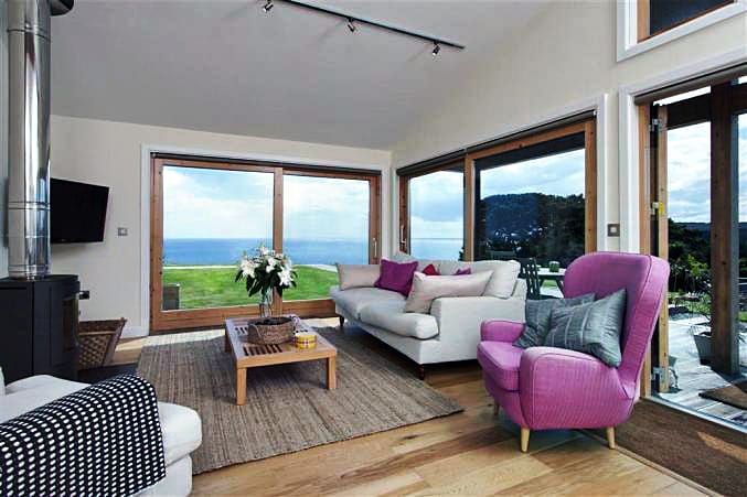 37 Talland a holiday cottage rental for 7 in Talland Bay,
