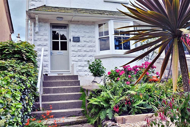 Fuchsia Cottage, Salcombe a holiday cottage rental for 4 in Salcombe,