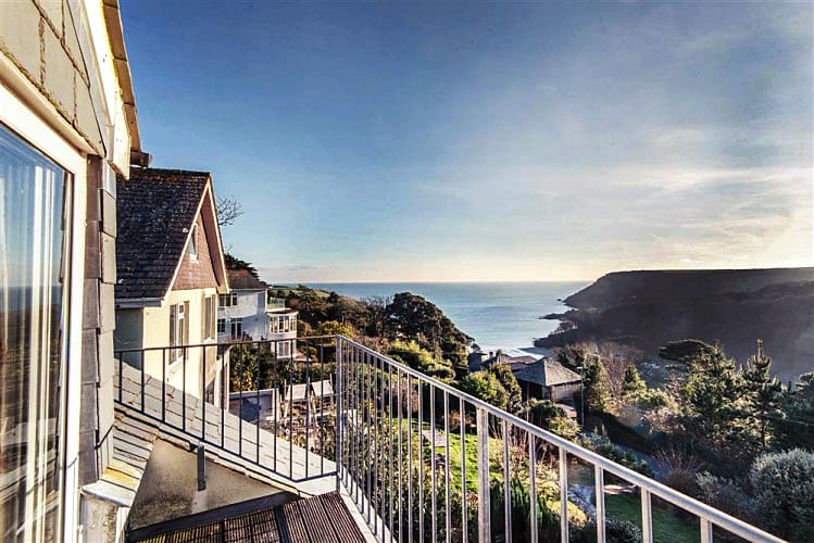 Heatherdale a holiday cottage rental for 10 in Salcombe,