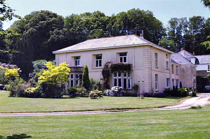 7 Halwell House a holiday cottage rental for 5 in South Pool,
