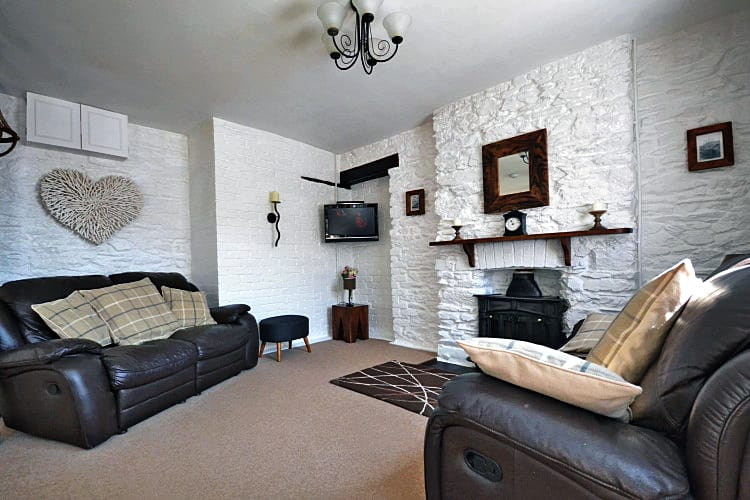 2 Albatross Cottage a holiday cottage rental for 6 in Looe,