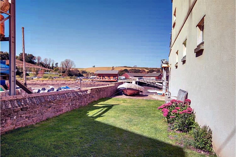 Creekside (12 Island Street) a holiday cottage rental for 6 in Salcombe,