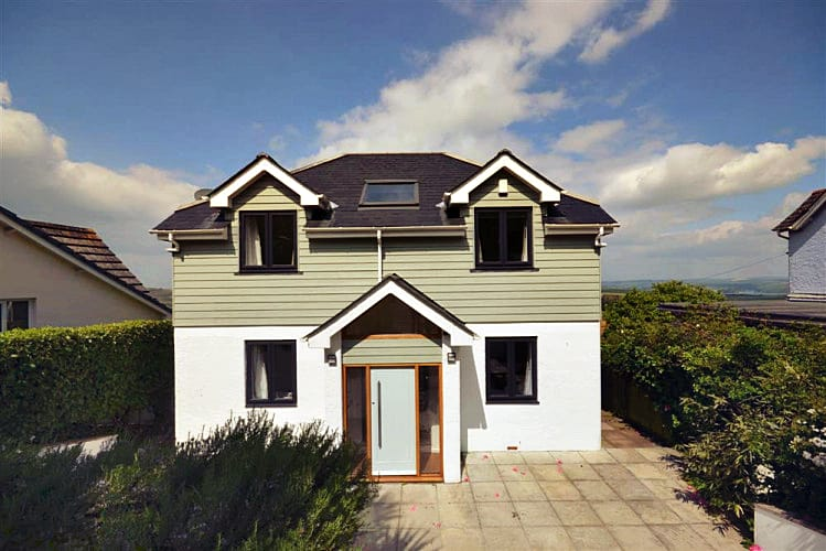 Tredarloe a holiday cottage rental for 9 in Salcombe,