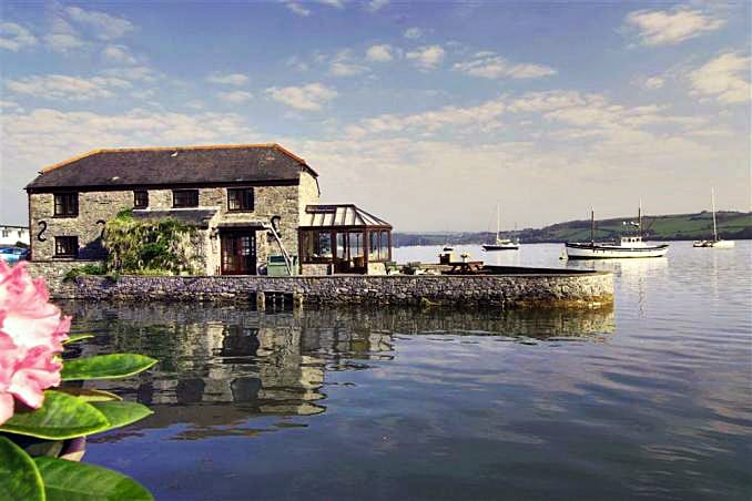 The Boathouse a holiday cottage rental for 8 in Cargreen,