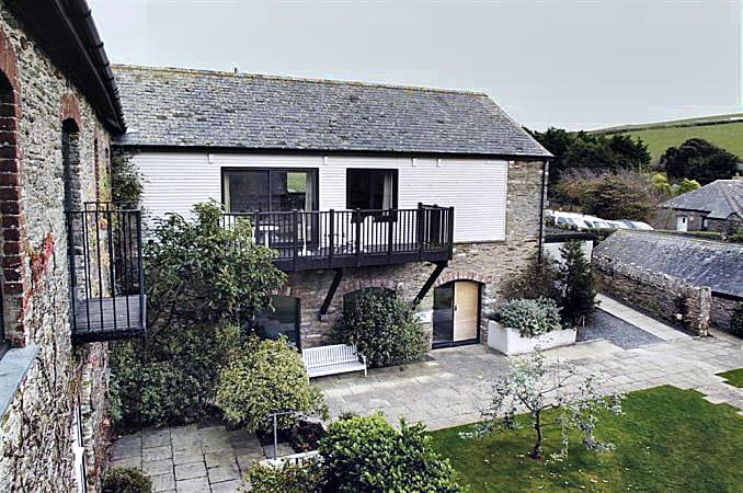 Court Barton Cottage No. 11 a holiday cottage rental for 6 in South Huish,