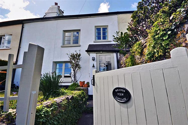 Meadow View Cottage a holiday cottage rental for 6 in Dittisham,