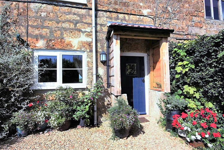 Little Perhay a holiday cottage rental for 4 in Bridport,
