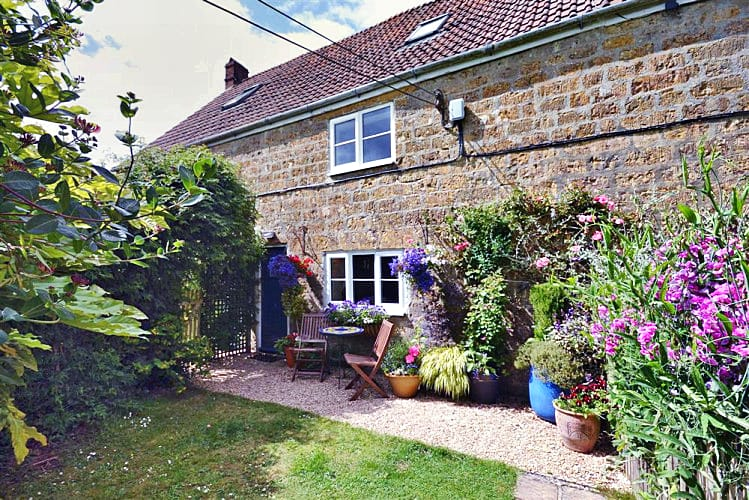 Details about a cottage Holiday at Perhay Cottage