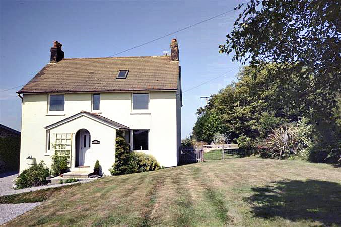 Foxenhole Farmhouse a holiday cottage rental for 6 in Dittisham,