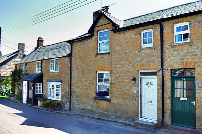 Ha'penny Cottage a holiday cottage rental for 5 in Bridport,