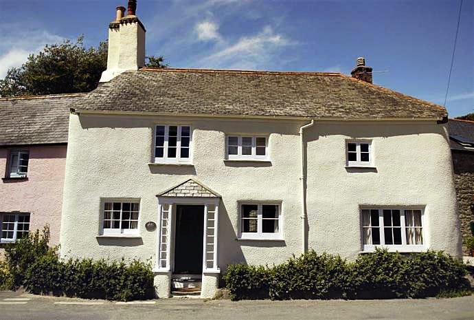 Herons a holiday cottage rental for 8 in South Pool,
