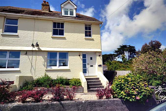 High Tor a holiday cottage rental for 8 in Salcombe,