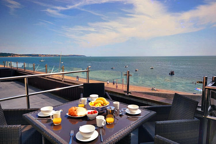 7 at The Beach a holiday cottage rental for 4 in Torcross,