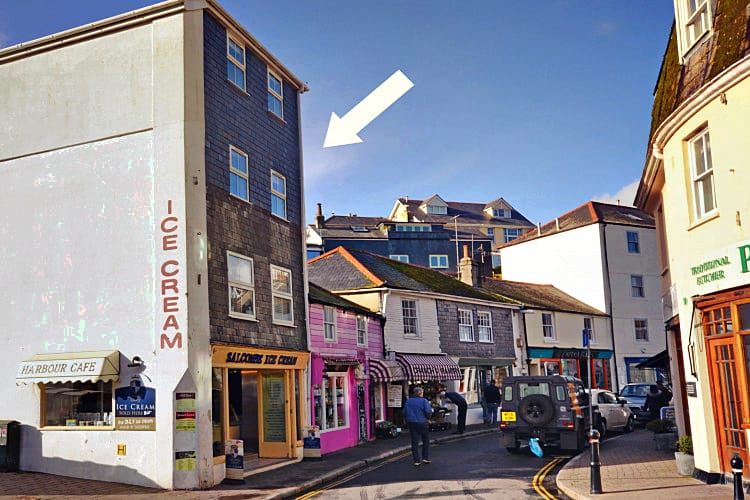 Harbour View Apartment a holiday cottage rental for 5 in Salcombe,