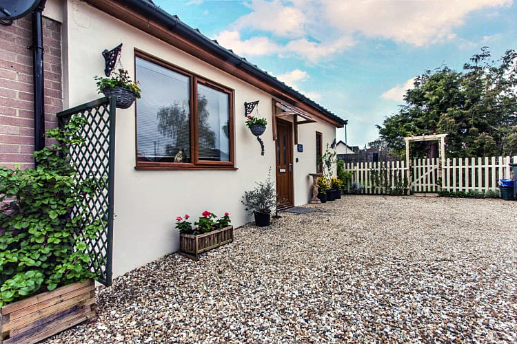 Little Arrish a holiday cottage rental for 4 in Liverton,