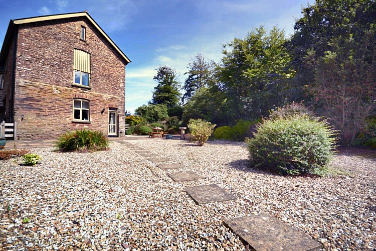 Owl Barn a holiday cottage rental for 6 in Chillington,