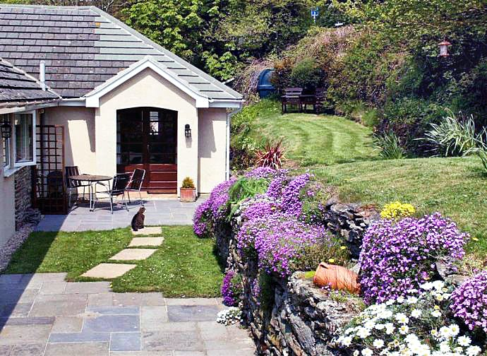 Orchard Cottage Apartment a holiday cottage rental for 3 in East Portlemouth,