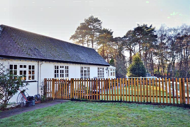 Dial Cottage a holiday cottage rental for 4 in Bransgore,