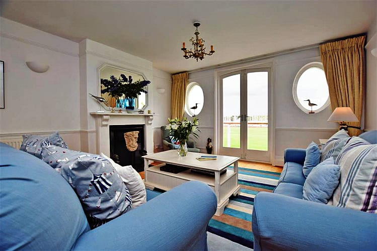 Curlews a holiday cottage rental for 6 in Lymington,