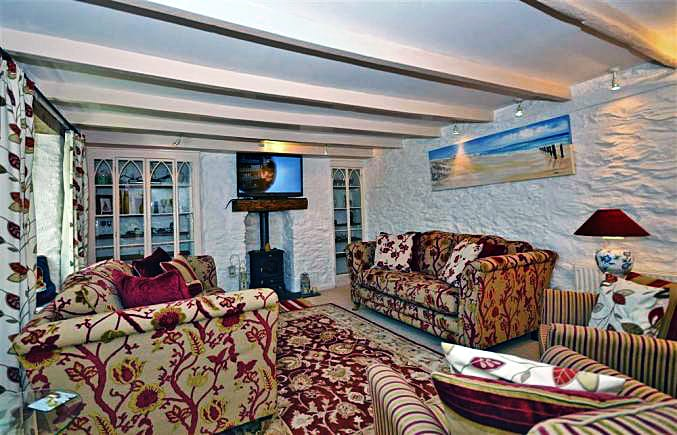 Rose Cottage a holiday cottage rental for 7 in Downderry,