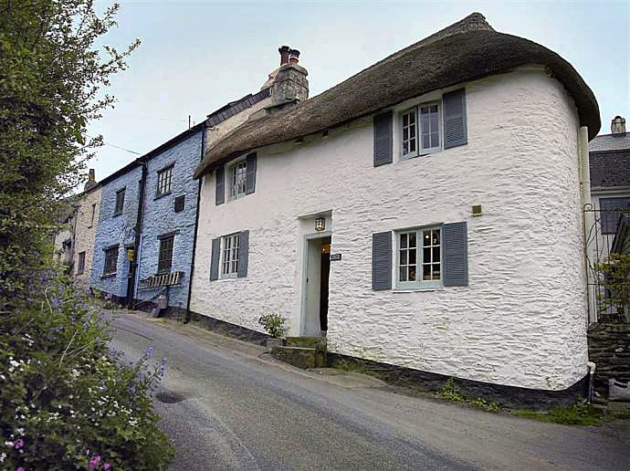 Thatch Cottage a holiday cottage rental for 3 in Dittisham,