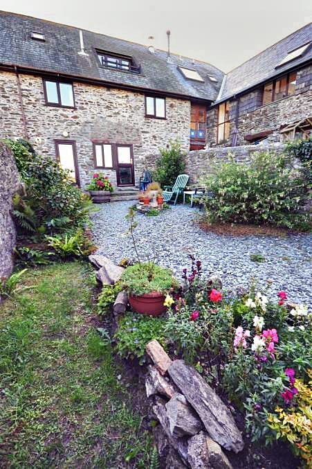 Threshing Cottage Garden Apartment a holiday cottage rental for 2 in East Prawle,