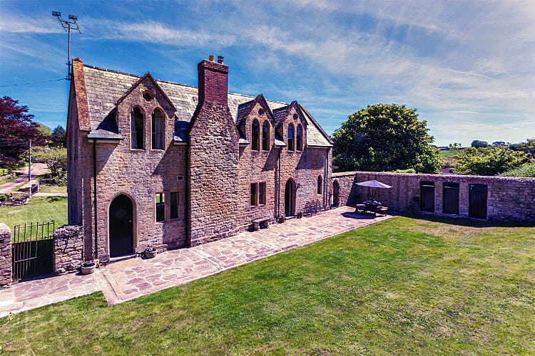 The Old School House a holiday cottage rental for 8 in Powerstock,