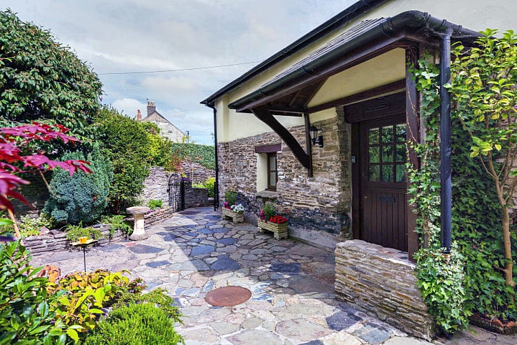 Pound House a holiday cottage rental for 8 in Chillington,